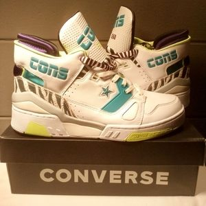 New!! Sz 11 Converse Sneakers White/Court Purple